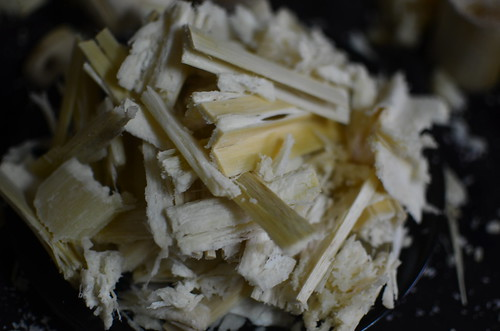 Spent, juiced sugarcane