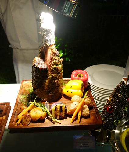 Roasted Australian Wagyu Hind Shank with Thyme Jus (Open House, Grand Park Orchard's NYE 2014 Buffet Spread)
