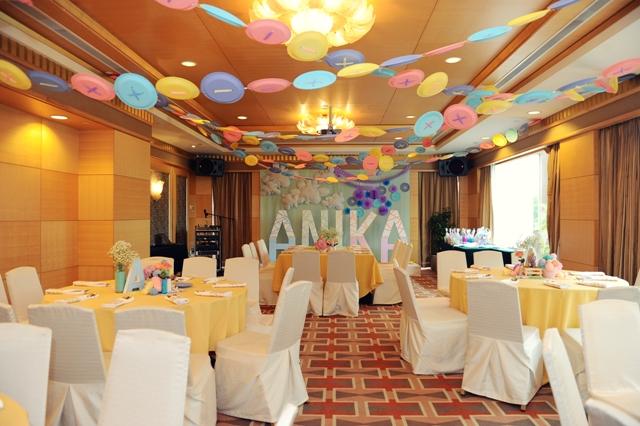 ceiling decorA