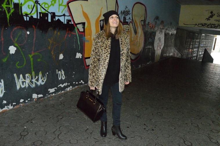 lara-vazquez-madlula-abrigo-leopardo-beanie-black-leo-coat-abrigo-leopardo