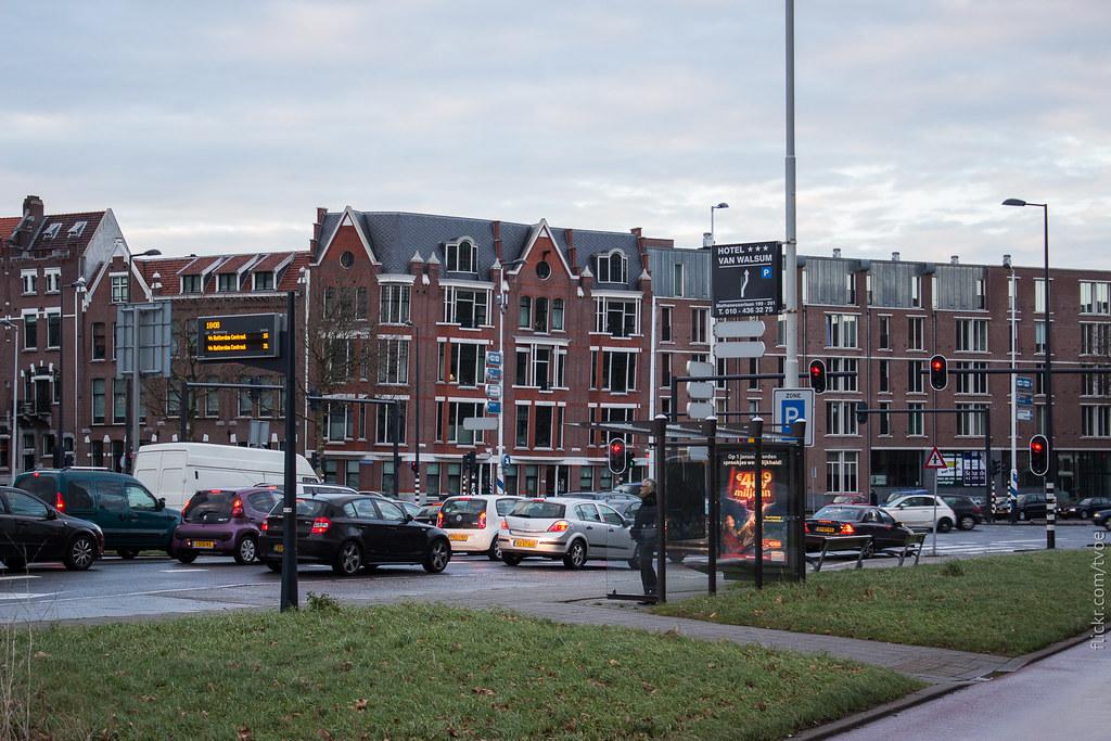 Остановка автобуса в Роттердаме