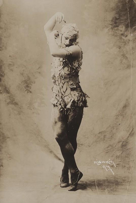 Vaslav Nijinsky in Le Spectre de la rose, Ballets Russes, 1911