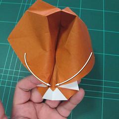 การพับกระดาษเป็นที่คั่นหนังสือหมีแว่น (Spectacled Bear Origami)  โดย Diego Quevedo 021