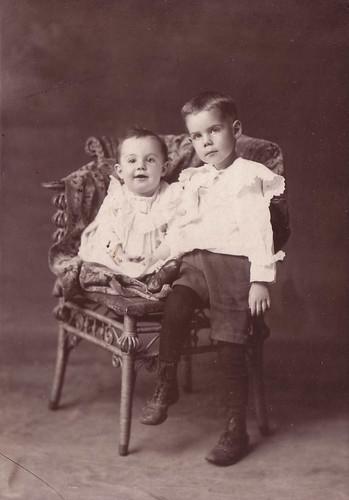 Raymond and Frank Wisner ca 1903