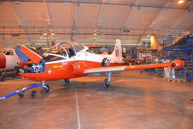 XW324/U G-BWSG Provost T.5