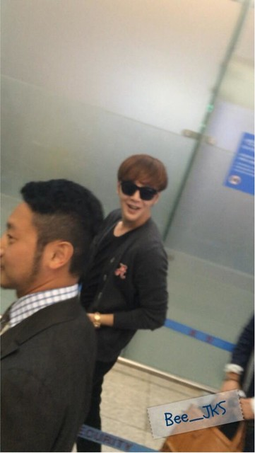[Pics] JKS departs from Seoul to Beijing_20140425 14019318205_63d7a60889_z
