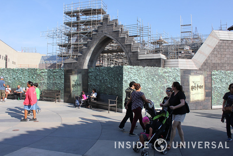 Universal Studios Hollywood - Hollywood Minute - February 16, 2015