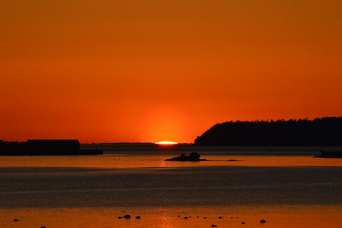 ocean light sunset sea orange sun water silhouette washington rocks bright blaine semiahmoo draytonharbor blainewashington emilygrayston