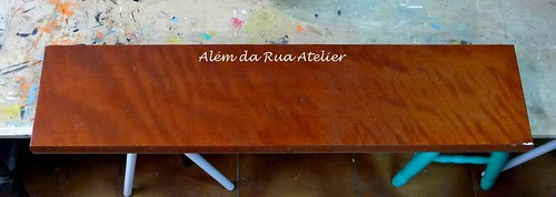 Como pintar prateleira de madeira