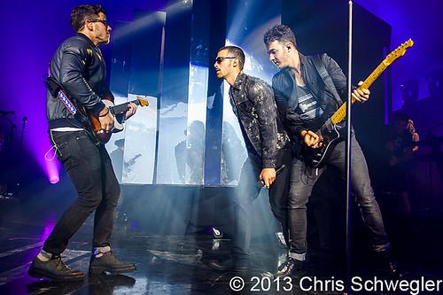 Jonas Brothers - 07-13-13 - Jonas Brothers Live Tour, DTE Energy Music Theatre, Clarkston, MI