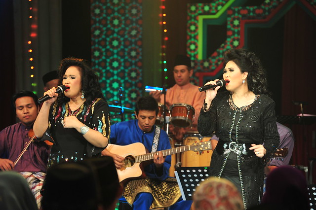 Azlina dan Azliza Aziz turut jayakan Akustika Syawal
