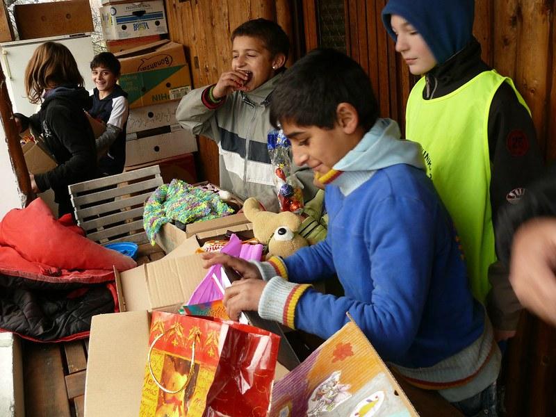 Deca pomažu deci 2012/2013