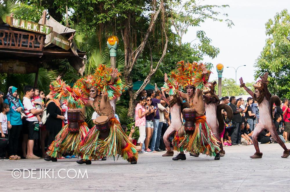 Universal Studios Singapore - Hollywood Dreams Parade - Madagascar