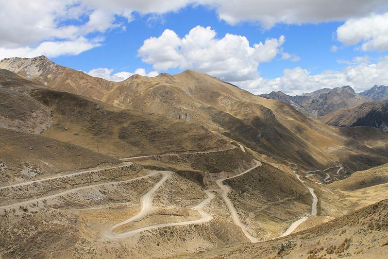 A typical Peruvian road