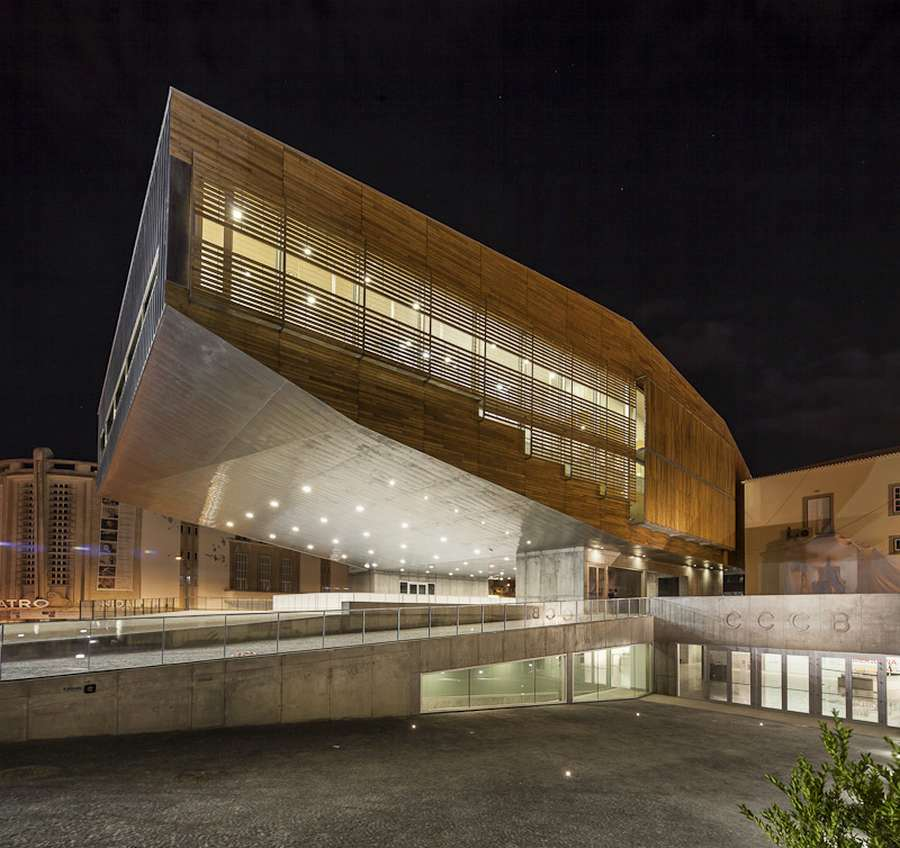 Cultural Center in Castelo Branco design by Josep Lluís Mateo