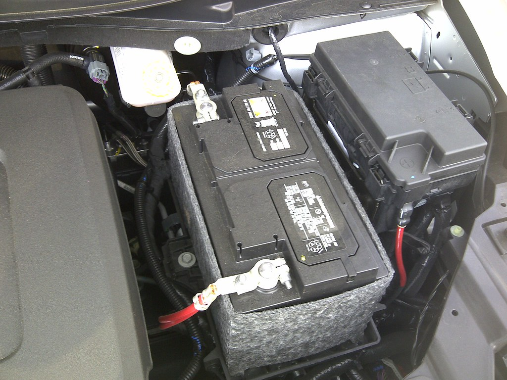 Anyone Put A Block Heater In 2013 Tc New 2012 Dodge Caravan And Chrysler Town Country 36 Fuse Box Its That Wire To The Right Drivers Side Of Not Very Long Cord Though One On My Caliber Is Longer 2011 Grand