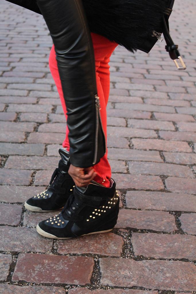 Lois Opoku WAG Streetstyle Adidas NEO Selena Gomez jacket lisforlois