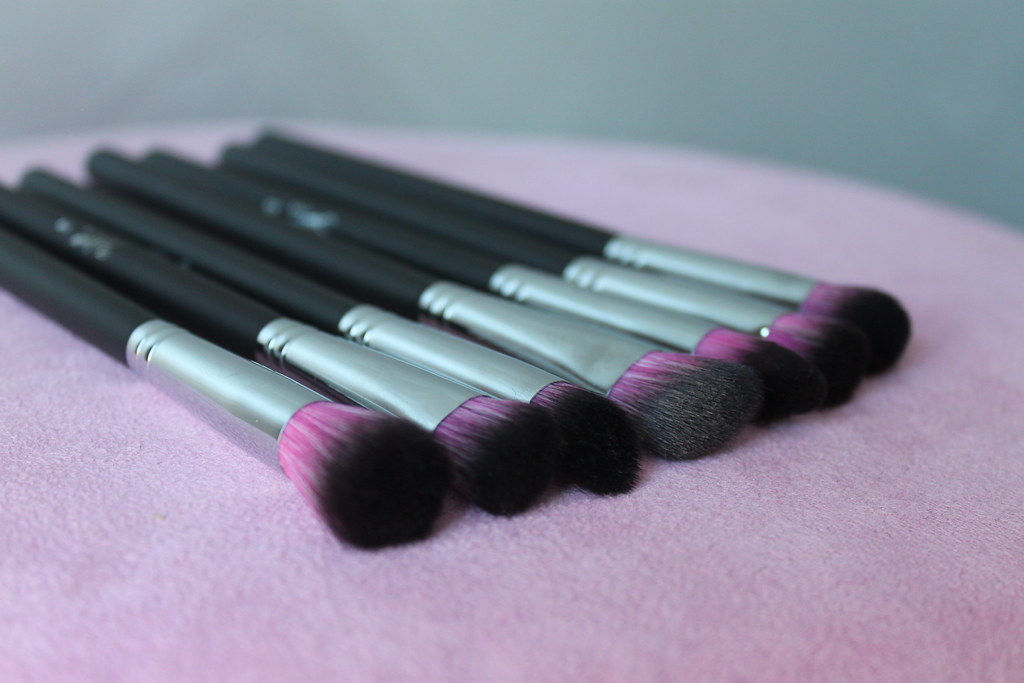 Sedona Lace Midnight seven 7 brushes set makeup eyes synthetic cruelty free vegan australian beauty review ausbeautyreview blog blogger aussie pink purple  precise synthetic Se7ven product review (4)