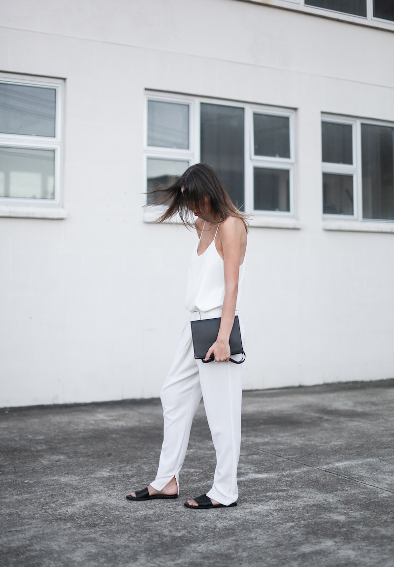modern legacy blog Camilla Marc Zoya Cami all white Nicholas foldover ankle zip pants slide sandals pool Alexander Wang Prisma Envelope crossbody bag outfit street style blogger Australia (5 of 9)