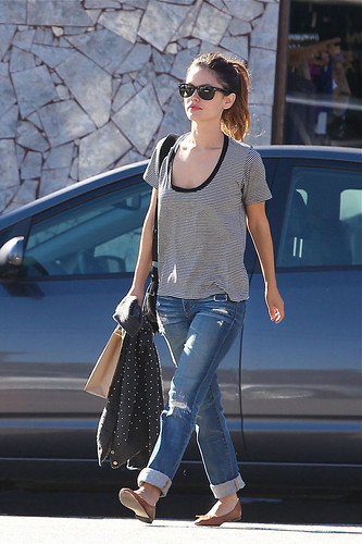 hottest_celebrity_trend_ripped_jeans