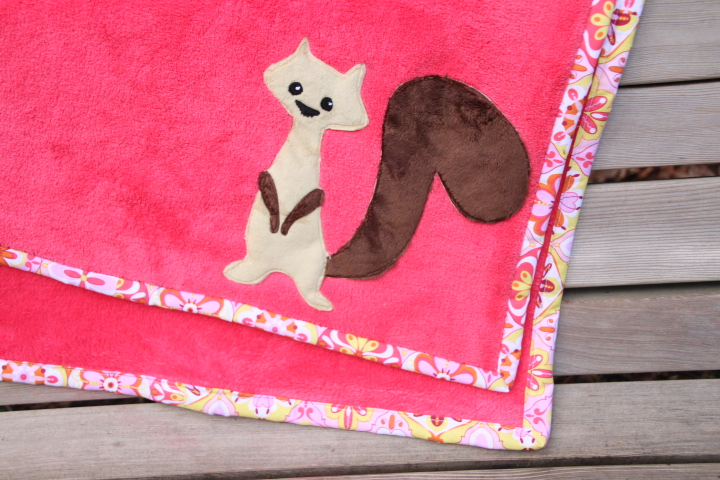 cotton bound fleece blanket with cute applique