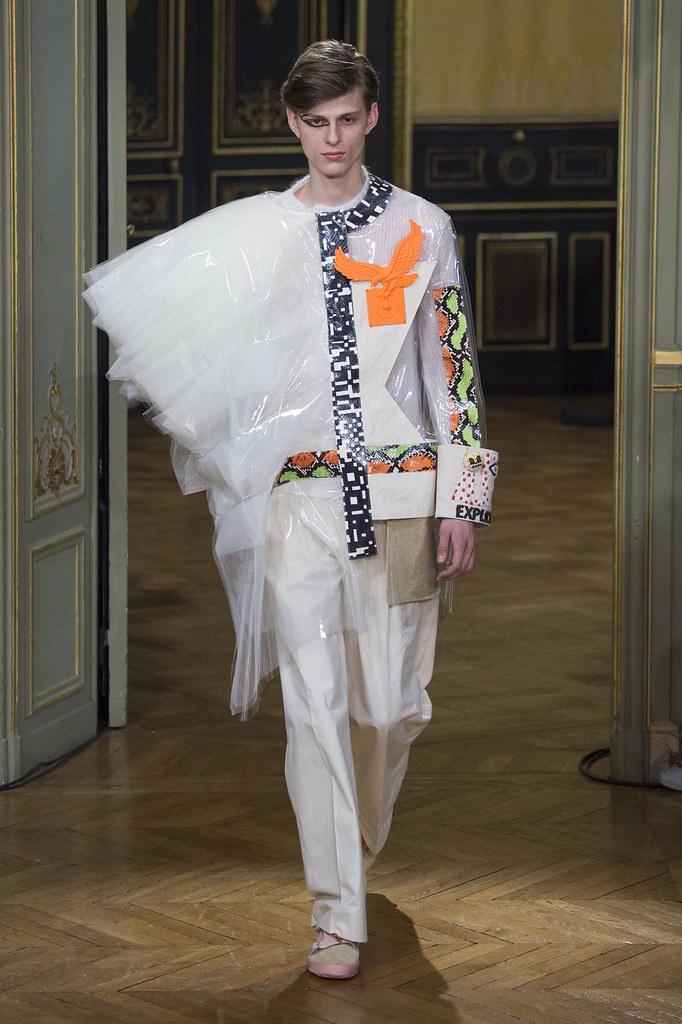 Elvis Jankus3244_FW15 Paris Walter Van Beirendonck(fashionising.com)
