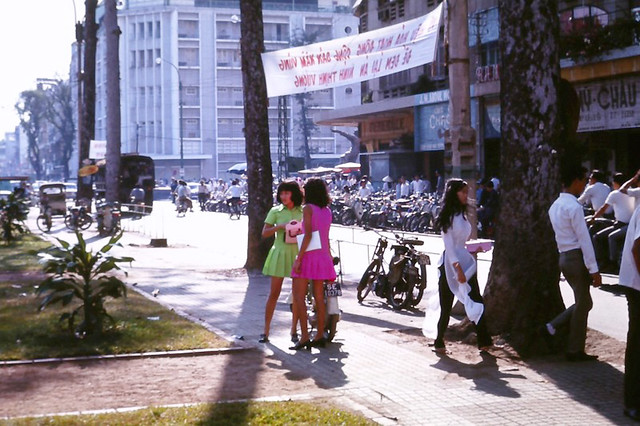 Saigon street 1969 - Photo by Quin Allred