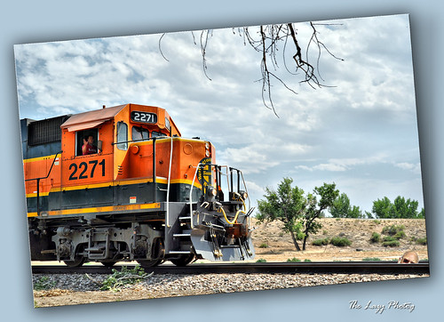July 4 2012 - BNSF 2271 passing through Manderson
