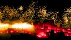 jeu, 14/07/2016 - 21:42 - Le feu d'artifice du 14 juillet tiré au-dessus de la Cité médiévale de Carcassonne fut encore absolument étonnant et somptueux avec le thème des bijoux et des joyaux ! Quel meilleur choix pour rehausser ce trésor du Moyen Âge ?  photo tous droits réservés © Ville de Carcassonne - Julien Roche.