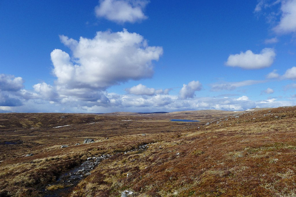 Towards Loch na Lairige