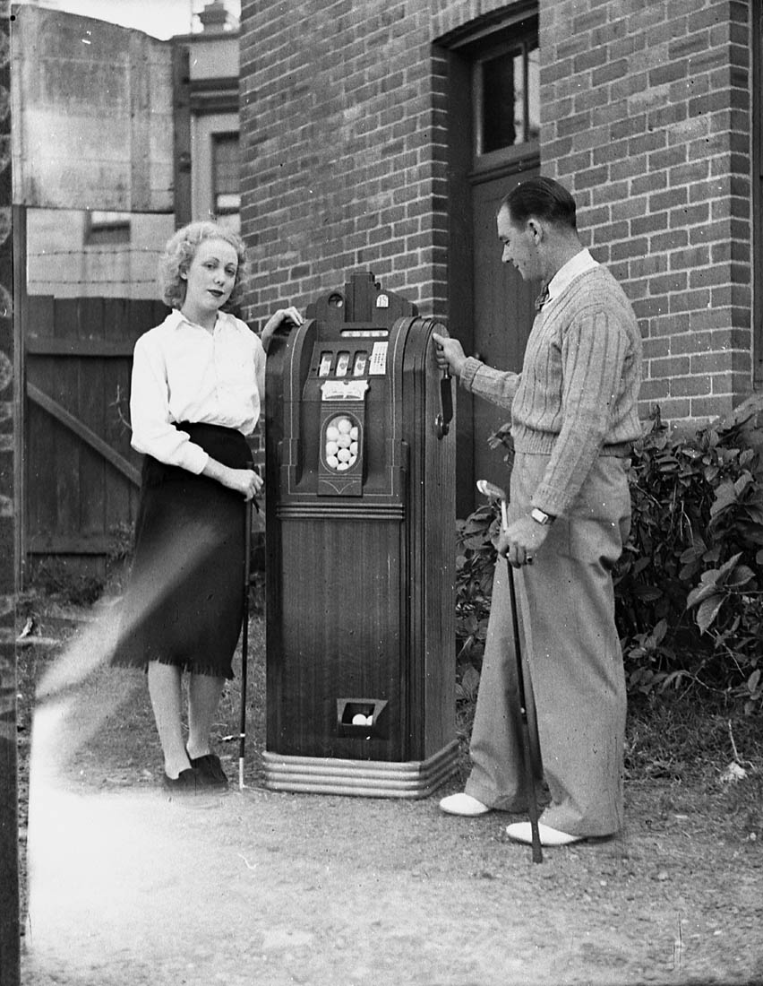 Patent golf machine (taken for Conimatti), 2 April 1938, by Sam Hood