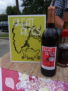 Bottle of Great Frogs Red Wine