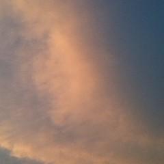【写真】いつぞやの夕焼け雲その2。ピンク色で綺麗だった。 Sunset clouds [ the other day ], no. 2. It was beautiful pink.  #雲 #空 #cloud #sky