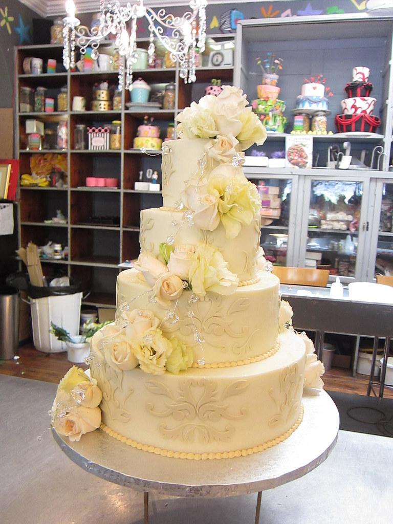 4 Tier Wedding Cake Iced In Smooth White Chocolate Ganache Flickr
