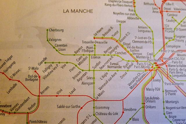 パリからサンマロは3時間半。