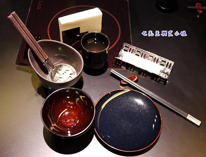 4 鼎膾一品涮涮鍋 北海道毛蟹專賣