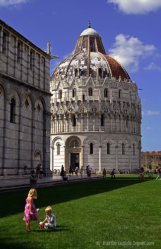 Baptisterio de Pisa, situado en la Plaza de los Milagros