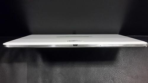 Samsung Galaxy Note 10.1 2014 Edition ด้านล่าง