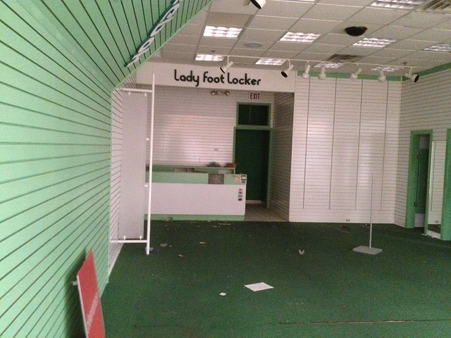 Lady Foot Locker Tennis Shoes