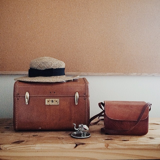 New vintage finds for the shop: leather Samsonite train case, Moroccan leather bag with strap, metal elephant ring stand. I'm keeping the hat for myself.  #vintage #vintagesoup #thrifting #thriftfinds