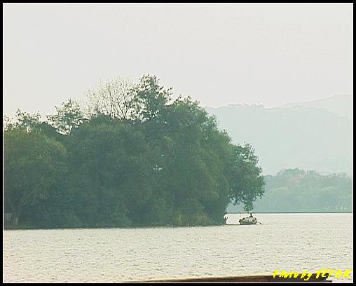 杭州 西湖 (其他景點) - 205 (白堤上的孤山 望向阮公墩)