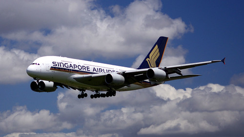 Singapore Airlines' Airbus A380-841, 9V-SKD, about to touch down in Sydney Airport