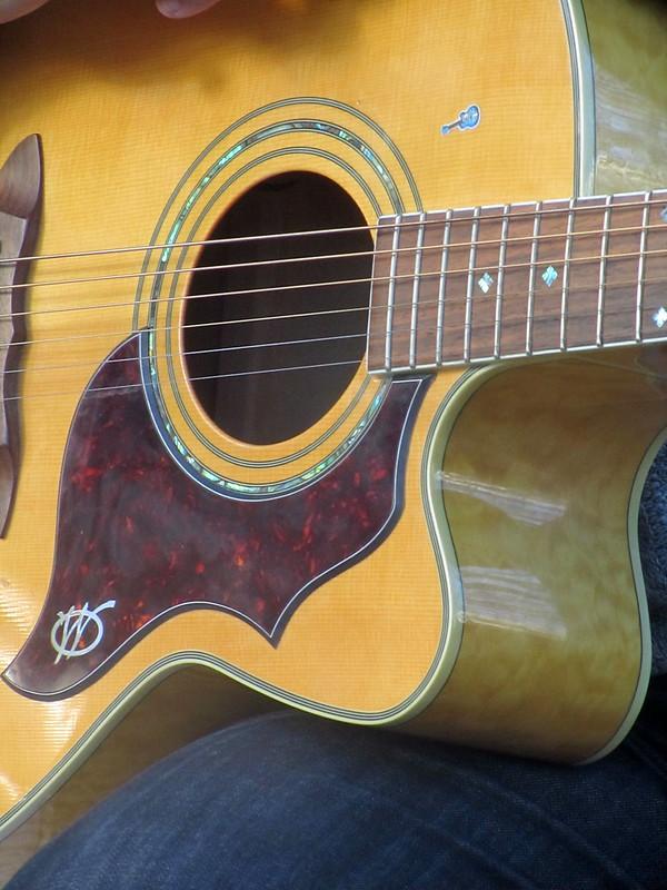 Guitarra y guitarrita