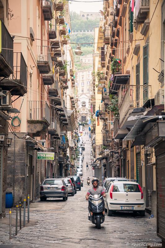 Napoli narrow street