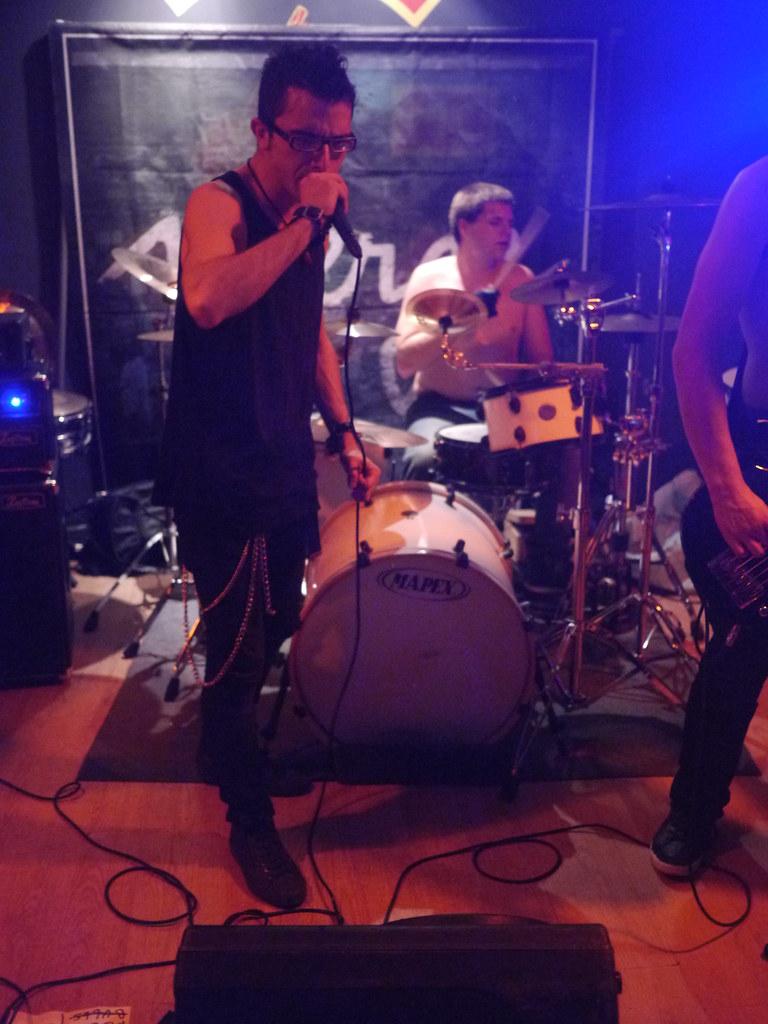 related image - Concert Drop Your Pants - Troop MC - La Garde - 2014-05-30- P1860202