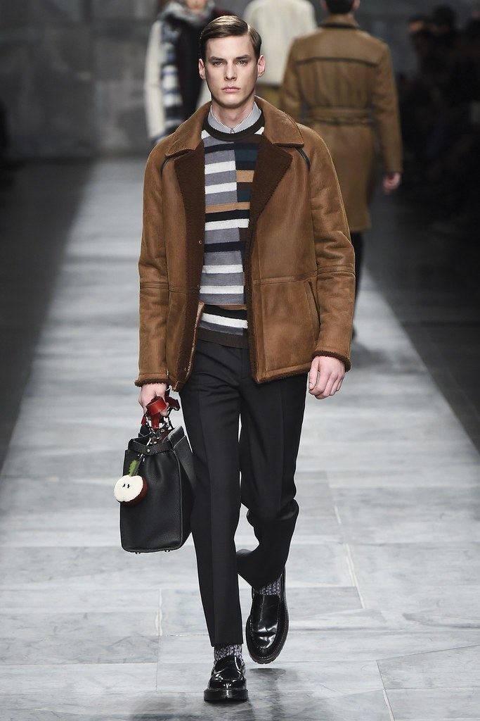 Tim Meiresone3165_FW15 Milan Fendi(VOGUE)