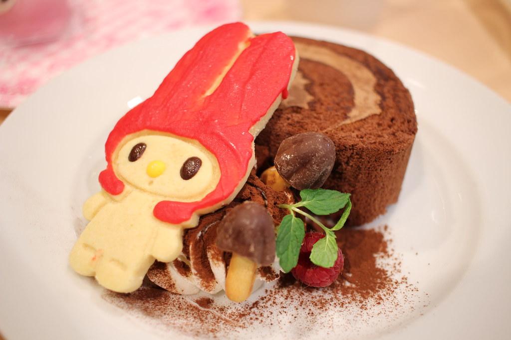 赤めろロールケーキ