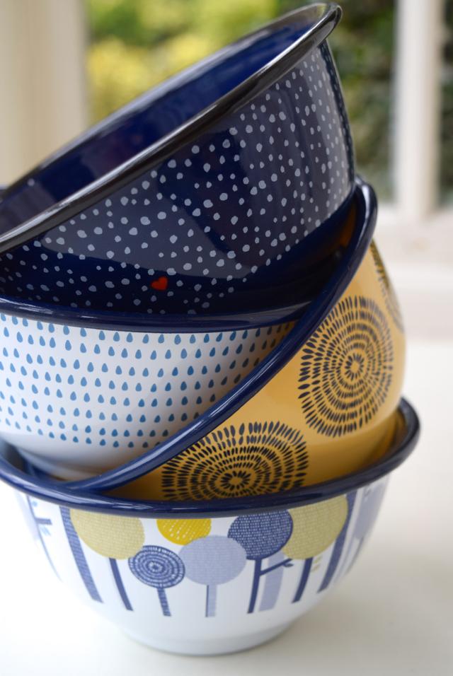 Folklore Enamel Bowls