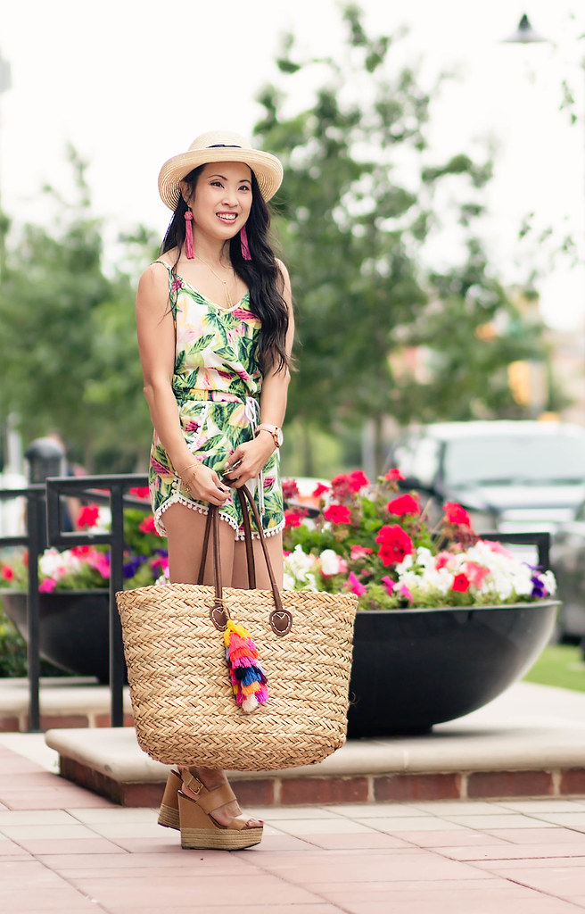 leaf print romper with pom-pom trim, summer straw tote bag