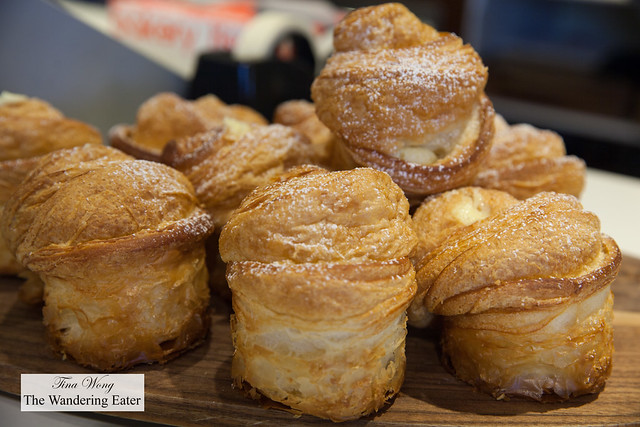 Cruffins (hybrid pastry of croissant and muffin filled with vanilla custard)